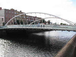 dublin_james_joyce_bridge_002.JPG
